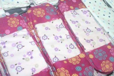 Serviettes hygiéniques écologiques et lavable, fabriquées par les jeunes de l'Akany Avoko Ambohidratrimo. Cédit Photo : Facebook Akany Avoko Ambohidratrimo