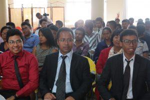 Les trois premiers diplomés de l'Esti Madagascar